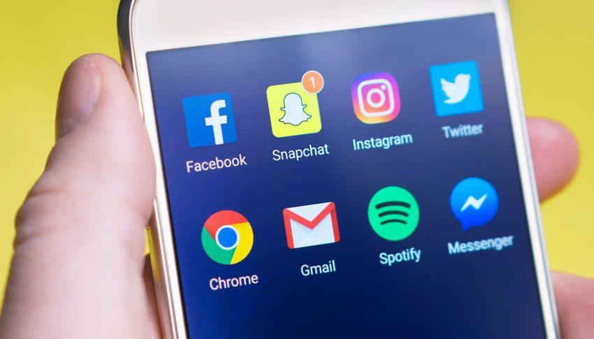 Tips & Trik Nggak Buang Waktu di Media Sosial