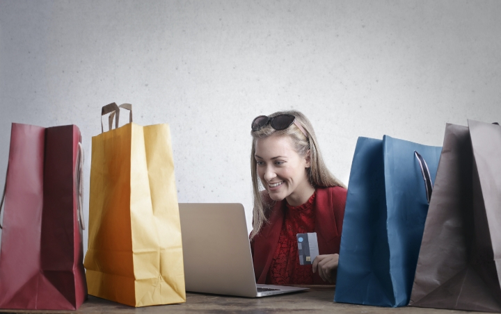 Kalap Shopping Bikin Kantong Kering? Simaklah Tips Hemat Berbelanja Online ini