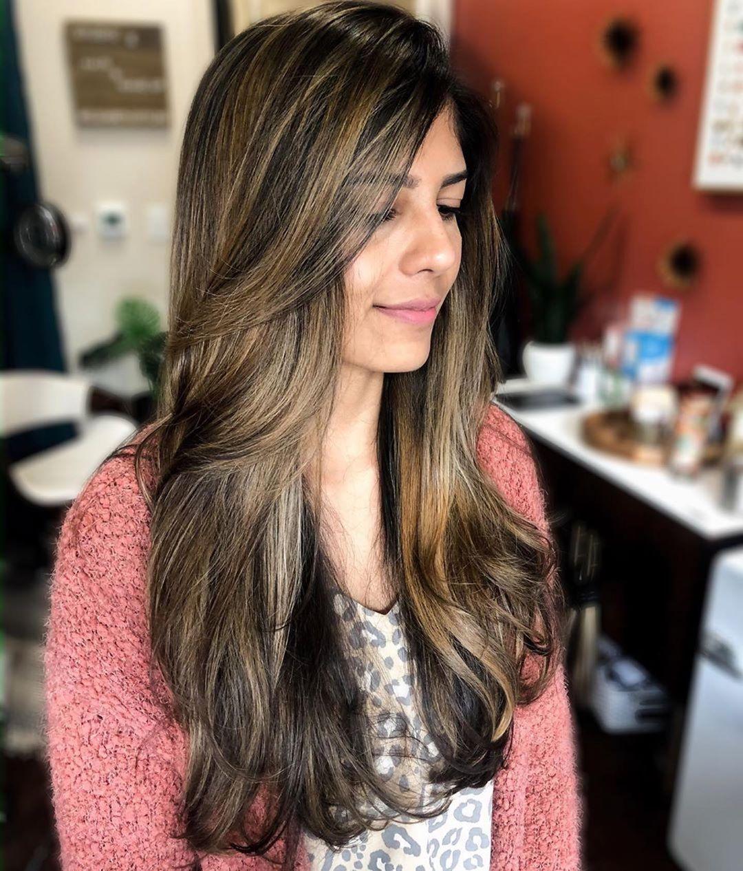 Rambut yang diurai ke depan