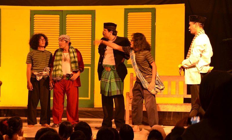 5 Pertunjukan Teater Tradisional Indonesia Yang Hampir Punah